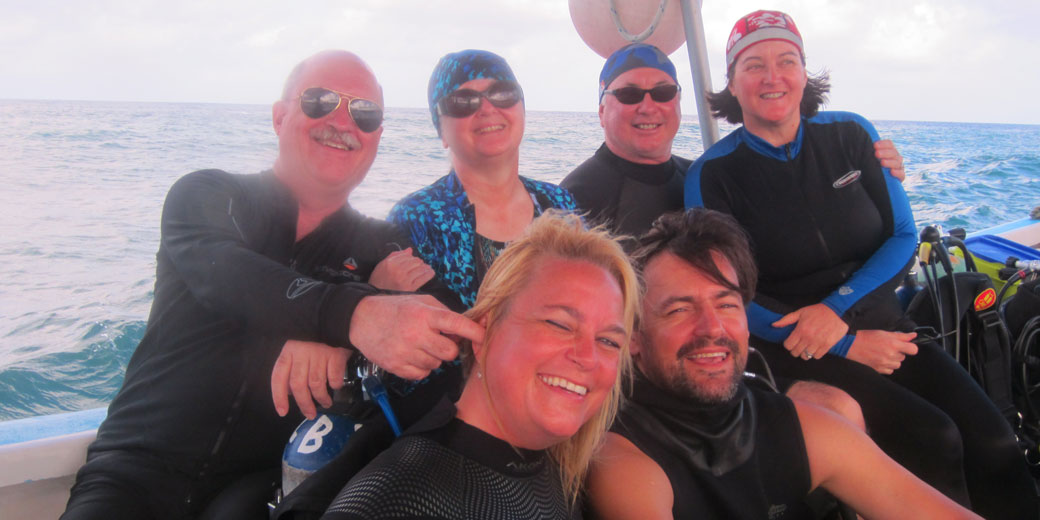 Kami Michels and some of our first scuba divers hanging out on the Bonita Luna